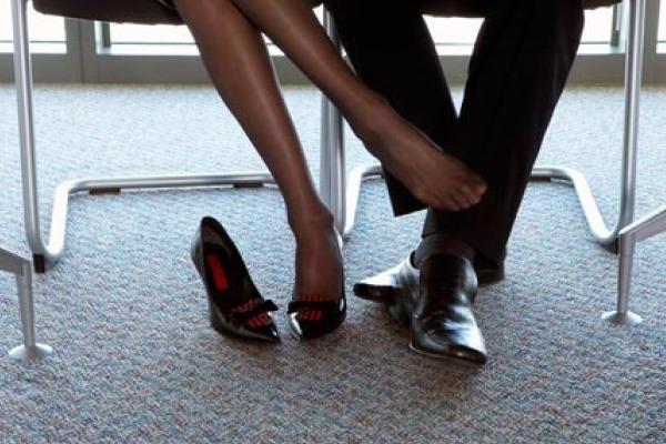 http://www.imujer.com/2011/09/13/amor-en-el-trabajo-como-manejarlo